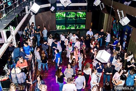 Ночной клуб анжеро судженск фитнес клубы новые черемушки москва